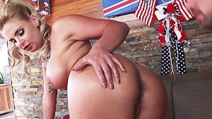 Independence fuck with freedom babe Phoenix Marie