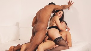 Valentina Nappi gets DPd by a black and a white guy