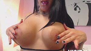 Kinky Coco Dior loves to pleases her delightful vag